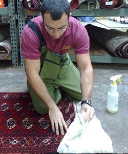 rug cleaning - dye testing a rug